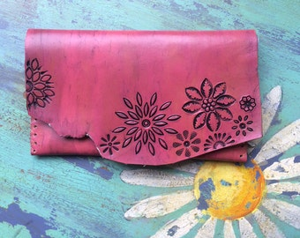 Pink and Black Leather tooled Flower Bag Wallet Clutch Purse with Vintage Daisy Fabric