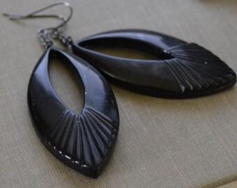 Ebony Black Lucite Earrings, Art Deco Vintage Triangle, Gunmetal Wire Wrapped Earrings, Retro Black Earrings