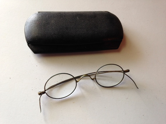 Eyeglass Frame Earpiece : Pair of Vintage Gold Eyeglasses/Spectacles with by ...