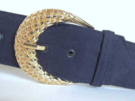 vintage 1980 s wide navy blue belt modern size 6 to 8