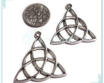4 Silver Celtic Charms, Antiqued Silver Celtic Knot, Trinity Pendants 29mm, PS45