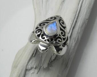 Turtle Ring Moonstone - Silver Sea Turtle Ring - Rainbow Moonstone Ring - Sea Turtle Jewelry - Honu Jewelry - June Birthstone