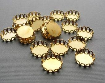Brass lace edge  cabochon round settings, 10mm tray, 12 pcs SET235