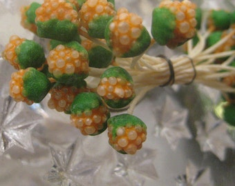 Czech Repubic Stamen Millinery Flower Berry Fruit Peps 18 Stems Green And Orange