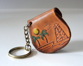 Vintage Leather Coin Purse Keychain . Souvenir Keychain . Leather Coin Purse . Tiny Purse Coin Holder . Tooled Leather Coin Purse . 1950s