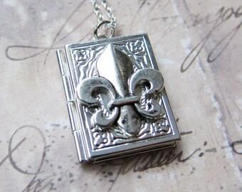 Fleur de Lis Locket Necklace - photo locket memoir keepsake (T5)