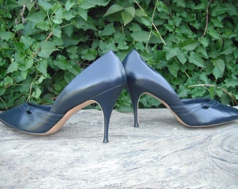 Vintage Pumps, Navy Blue, Quality Craft Heels/Pumps, size 10, FOUR INCH High Heels, Career, Secretary Heels