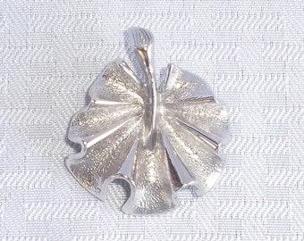 Clearance 1970's Vintage Sarah Coventry Modernistic Brooch Pin
