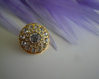 RHINESTONE  BUTTON, Gold Backing /  E