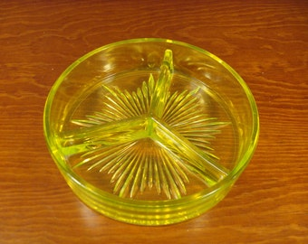 Very nice vintage vaseline glass green divided dish