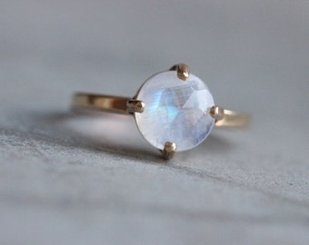Rainbow moonstone Ring - 18k gold Moonstone ring - Valentines day - wedding ring - gold ring