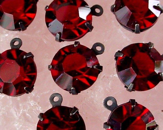 9 Vintage 35ss Swarovski Crystal Real Ruby Color Rhinestones 7mm Round 1 Ring Settings Oxidized Dark Bronze Patina Brass Charms Drops A9