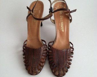 Vintage Brown Snake Skin Sandals / Brown Leather Sandals / Stuart Weitzman Sandals / size 8.5