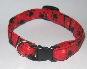 Red Black Pawprint Fabric Safety Collar for Cats and Kittens, Adjustable Sizes S M L, Comfortable and Non Scratchy