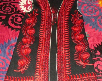 Vintage 70s Moroccan Tambour Embroidered Wool Vest Red Flowers Swirls and Paisley on Black Wool