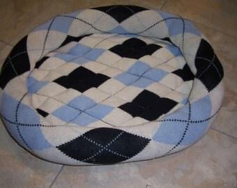 Blue Argyle Cat Bed