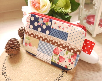 Strawberry in blue tartan mini zipper pouch
