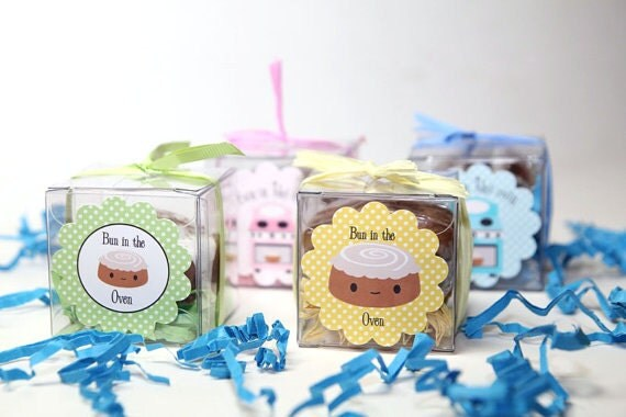 Bun in the Oven Baby Shower Soap - Baby Shower Party Favors - Cinnamon Bun Soaps Set of 30