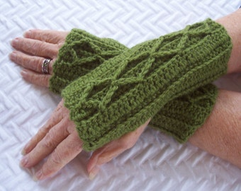 Women's Crochet Fingerless Mitts, Avocado Green Mitts, Wristwarmers, Washable Wool Mitts, Wool Blend Mitts, Teen Girl Mittens, Warm Mittens