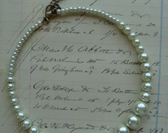 Antique Pearl  Spring Loaded Necklace 1950s Madman Fashion