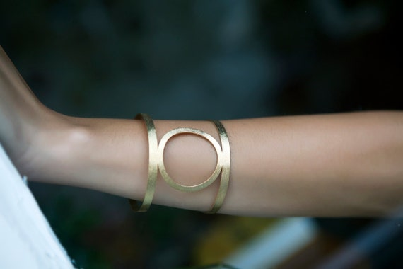 armband - Circle Wide Bangle Bracelet Geometry - YUKA by Guliz
