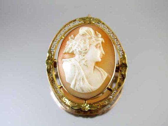 Antique Edwardian 10k gold Greek Key filigree cameo brooch pin pendant