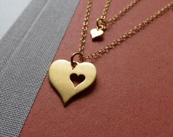 Gold Mother daughter necklace, mothers heart necklace, push gift, newborn baby, mother and daughter, gift for mommy to be