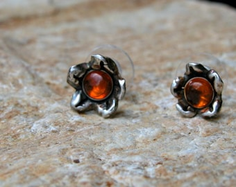 fine silver flower post earrings with amber