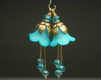 Vintage Style Bead Dangles Turquoise Blue Lucite Flowers Pair BL44