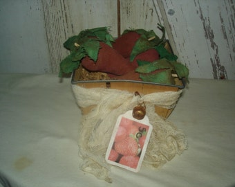 Vintage Strawberry Box with Strawberries, Primitive, Rustic, Strawberries, Household, Summer Fruit,  OFG, FAAP, HAFAIR, Dub