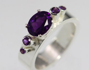 Clearance 50% OFF! 5 Stone Oval Crown Ring (Amethyst) sz. 8.5