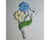Vintage 1950s Triple Flower Brooch YELLOW BLUE WHITE