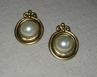 Vintage Gold Tone Earrings with Faux Pearls - Clip Ons