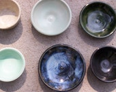 Little bowls, dipping bowls, sauce bowls, cat food bowl, rings, tea bags bowls.