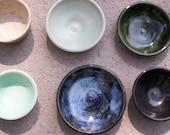 Little bowls, dipping bowls, sauce bowls, cat food bowl, rings, tea bags bowls.