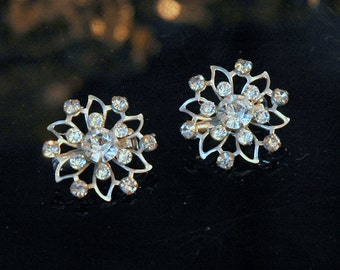 Twin Rhinestone Scatter Pins, Vintage Bride, Riveted Snowflakes, Silver Tone Metal, Prong Set Rhinestones, Excellent Condition