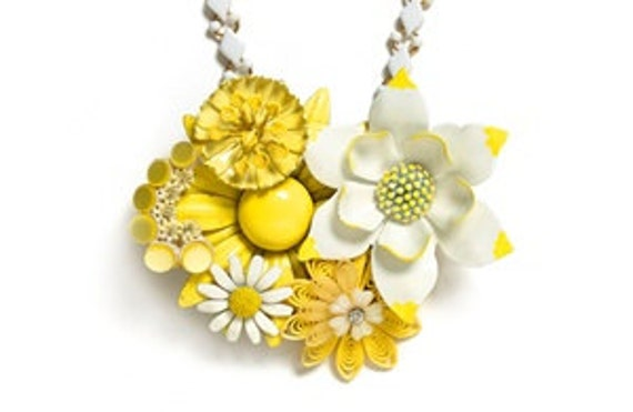 Yellow Daisy Flower Power Vintage Enameled Brooch Bead Style magazine Upcycled Statement Necklace White Pale yellow