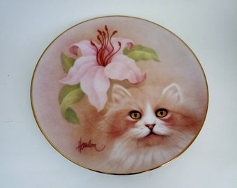 Collector Plate with Cat - Golden Fancy  from the Petals and Purrs Collection by Bob Harrison 1988