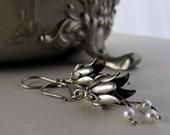 Silver Flower and Pearl earrings, Winter Wedding Earrings, Fairy Earrings