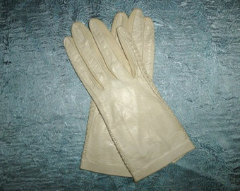 Vintage 50's - Antique White - Kid Skin or Calif Skin - Leather - Prom - Party - Church - Derby - Formal - Gloves -  Petite Size