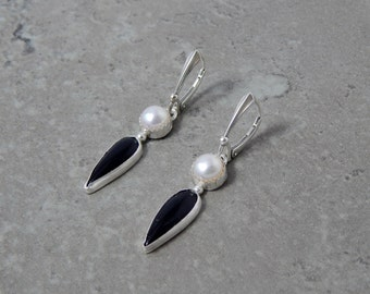Midnight - Sterling silver Pearl and Onyx Dangle Earrings