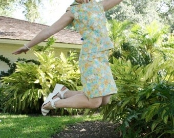 1970's Skirt and Top Set - Dress - Pastel Floral Set - Casual Day Dress - Spring Summer Fun Daisy Dress - Turquoise Yellow 40 Bust 26 Waist