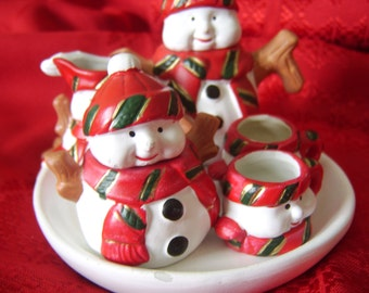 Adorable 8 piece Snowman Tea Set