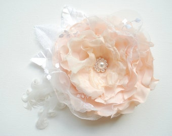 Light Peach Ivory Bridal Hair Flower, Weddings Accessories, Bridesmaids Peach Headpiece, Bridal Peach Hair Clip, Corsage, Flower for Sash
