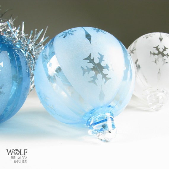 Items similar to Blown Glass Christmas Ornament Signature ...