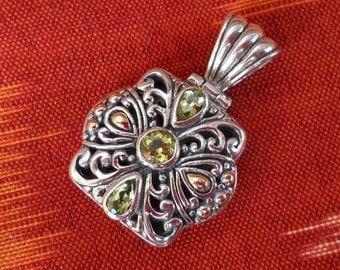 Balinese sterling Silver Peridot gem Gold Pendant / silver 925 / Balinese handmade jewelry