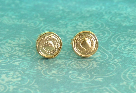 Christmas Sale: Gold Stud Earrings with a Spiral - Gold Studs - 18k Gold Plated - Stud Earings | Christmas Gift