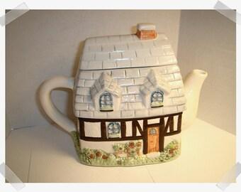 Teapot with lid & handle/Floral Shop/Ceramic/Home Decor/ Supplies*