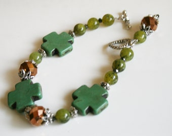 Green stone bracelet, jade stone, Cross jewelry, crystal and copper, green beads, green stone jewelry, toggle clasp, crystal bead