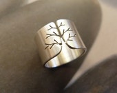 Silver tree ring, autumn tree ring, wide band ring, metalwork jewelry, statement ring, minimalist, graduation gift